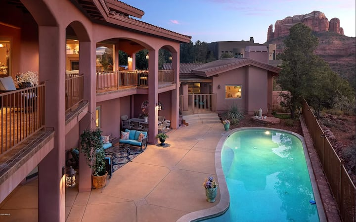 Luxury Sedona Estate - with pool, gym & theater!