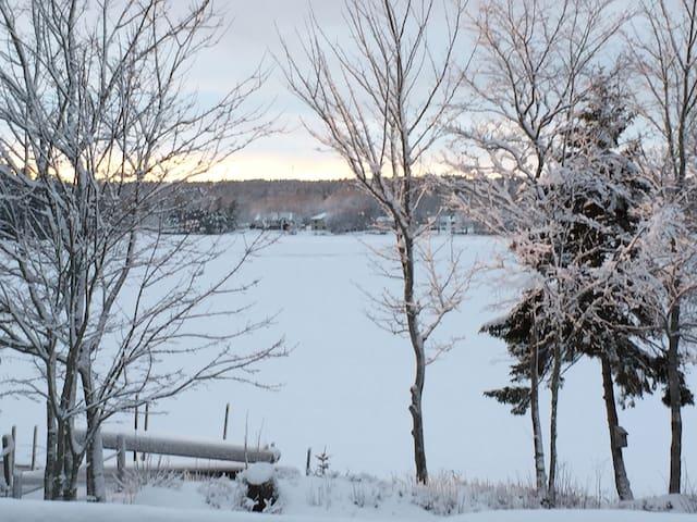 Lakefront Getaway - Middle Sackville - Ház