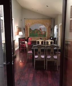 Beautiful 5BR Culver City Home-Pets OK w/Maid Svc! - Culver City - Rumah