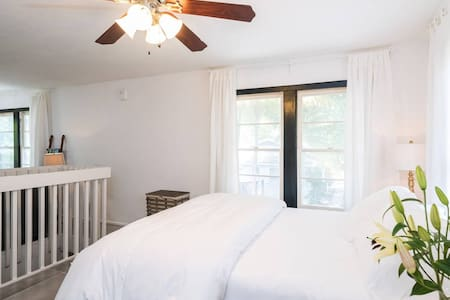 The Downtown Guesthouse - Fort Lauderdale