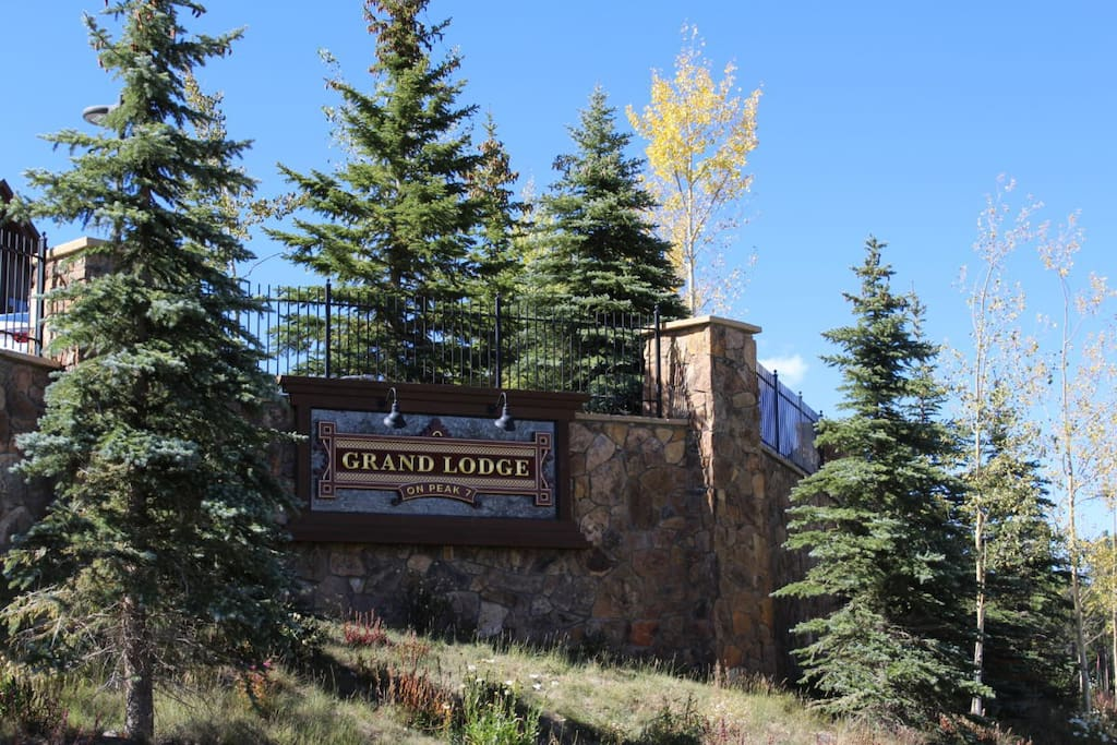 WELCOME to Grand Lodge on Peak 7