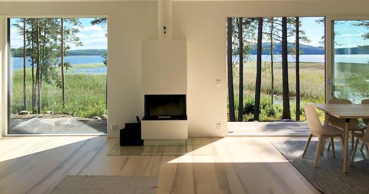 Brand new architectural villa by lake Päijänne