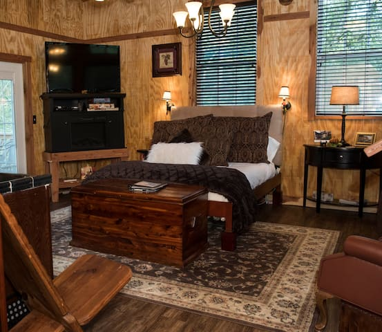 """Welcome to the """"Grande""""  Rustic Elegance!"""