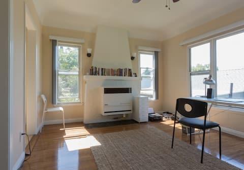 Gorgeous, quiet Echo Park 1 bedroom