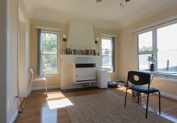Gorgeous, quiet Echo Park 1 bedroom