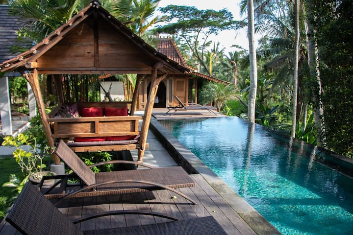 Cool Villa with great views in Ubud