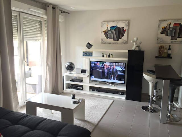 Modern apartment,Nice Stade Allianz - Niza - Departamento