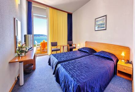 Hotel Medena double standard room - Seget Donji