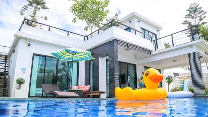 Pandaree Hua Hin Pool Villa 4BR. 8-17 guests