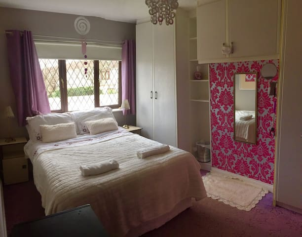 Cozy Double Room beside the sea - Malahide - Casa