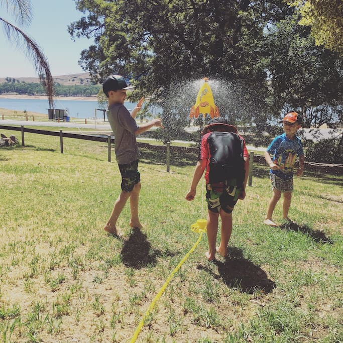 Plenty to keep the kids entertained from the simple run under the sprinkler, use of our kayaks or a play at the fantastic park and skatepark at the end of the street.
