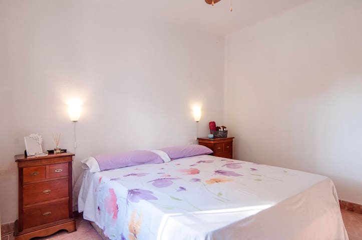 Private room and garden - Torremolinos - Casa