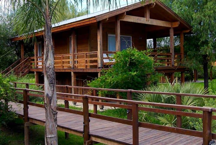 Bungalows en Delta Eco Hotel en Rio Carapachay 605