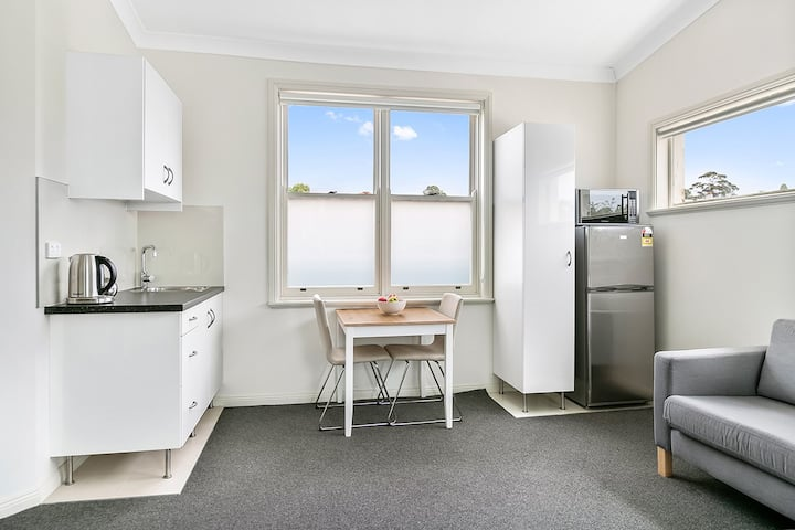 Excelsior Apartments Glebe. Queen With City Views Glebe