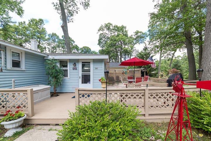 Three Oaks Getaway-Spring Lake/Grand Haven area - Spring Lake - Rumah