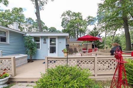 Three Oaks Getaway-Spring Lake/Grand Haven area - Spring Lake - Casa