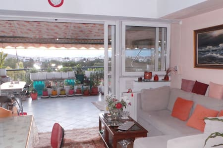 Apartment with 2 bedrooms & terrase - Chalandri