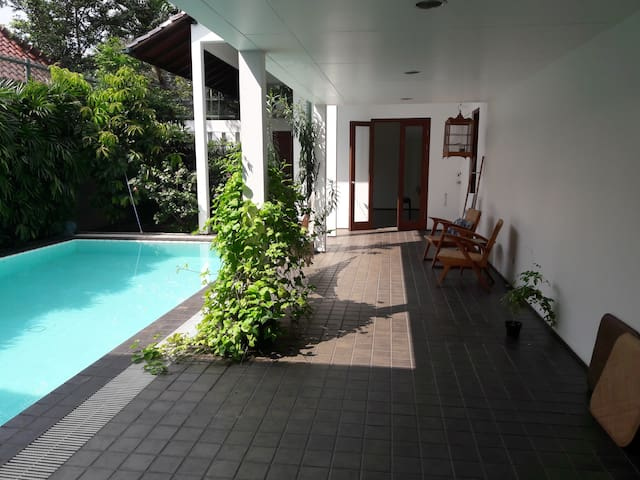 Spacious private BR in quiet Menteng villa
