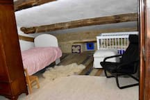 Extra room upstairs/please ask if this room is free to rent