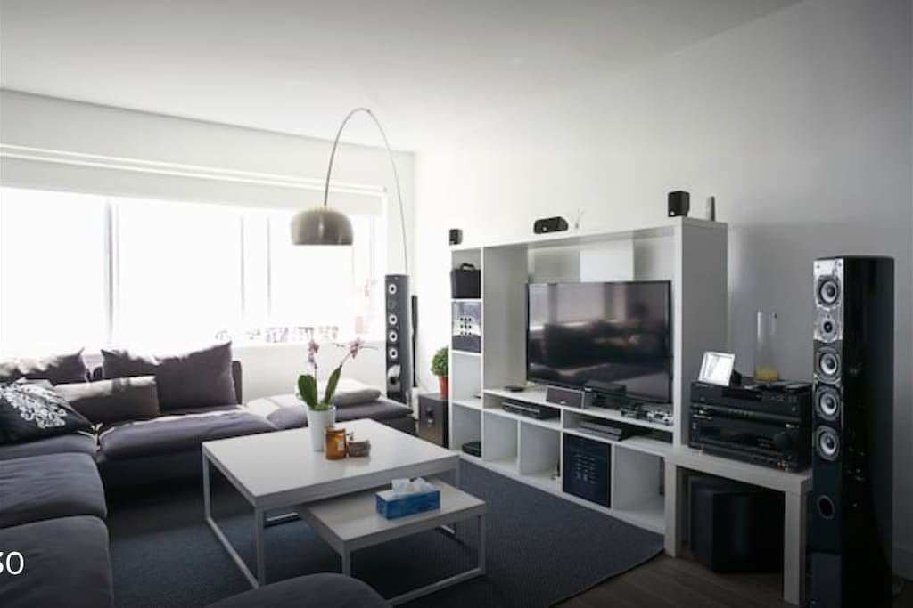 30 discount luxury downtown condo montreal appartements avec services h teliers louer. Black Bedroom Furniture Sets. Home Design Ideas
