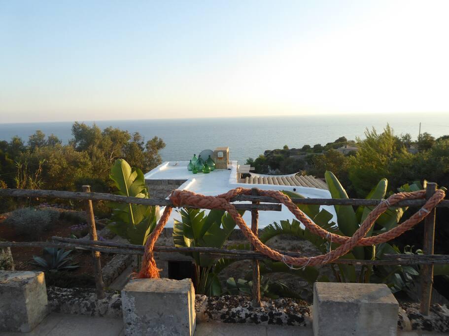 Vista giardino e mare
