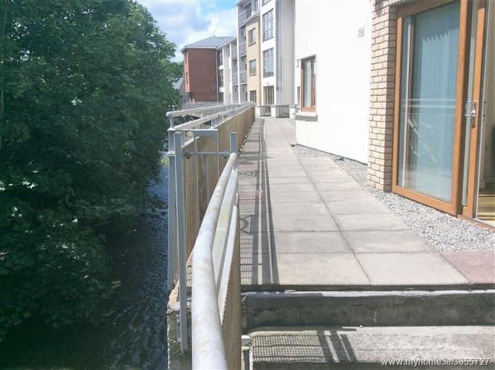 Kilmainham apt for 2 nights - 7 Sept and 8 Sept