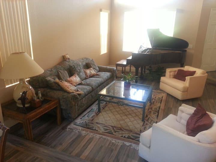 Cozy room in quiet neighborhood & EV Charger #3