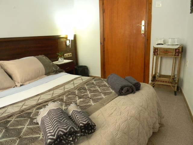 City center room + breakfast 2 - Granada - Bed & Breakfast