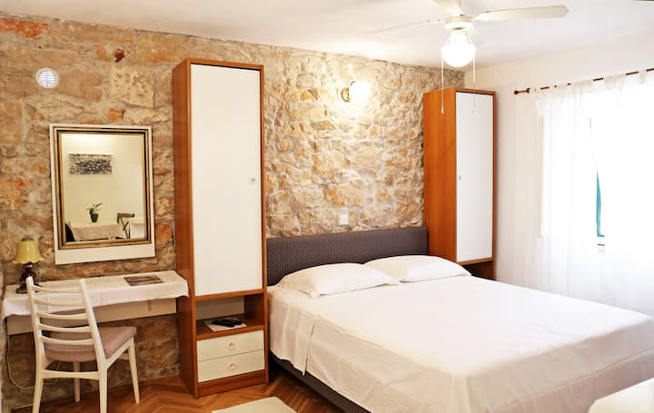 Pinta Apartments Lumbarda (2 per./A)