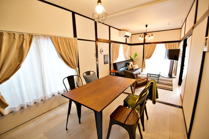 Fully Renovated House☆75sqm/12ppl/2min station