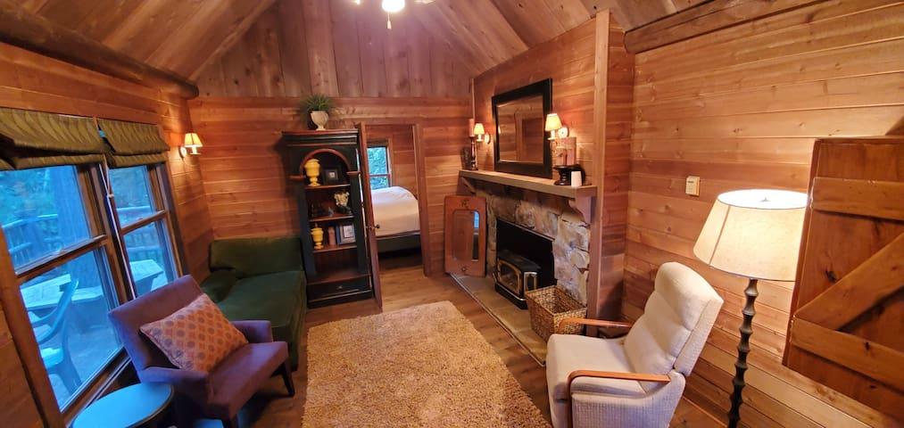 Honey of a Cabin - Between Sundance/Aspen Grove