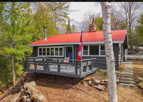Classic Cozy Authentic Log Cabin:  Chandos Lake