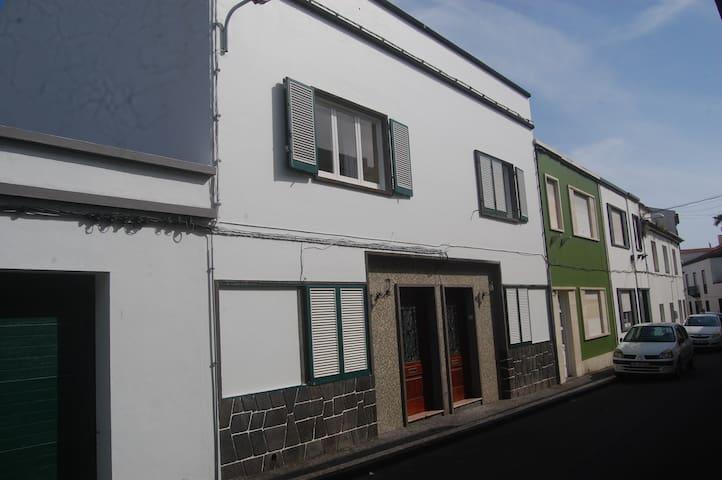 Quinta das Glicínias II - Ponta Delgada