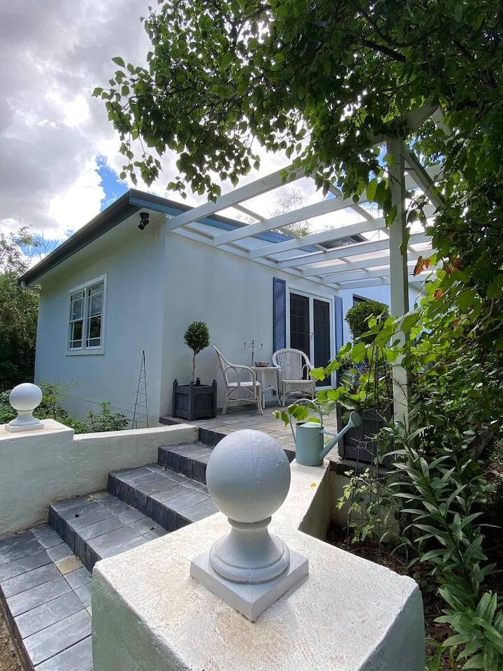 'The Garden Cottage'nestled in spectacular setting