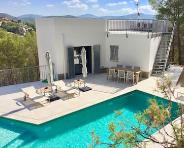 Luxury Villa in the Sitges Hills with Vistas, Pool - Olivella