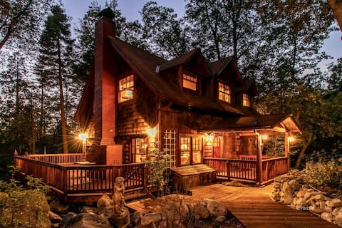Beautiful  Storybook Home By The Creek 3 bed 2 bth