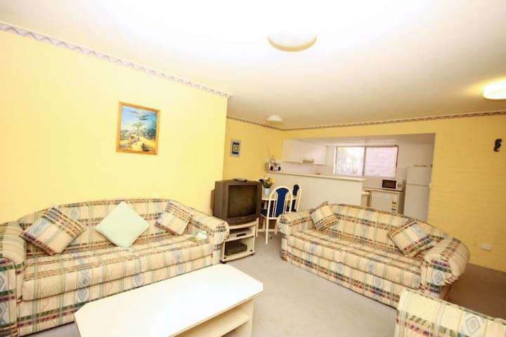 Boomerang Apartment Oceanside Unit 10 - Boomerang Beach - Квартира