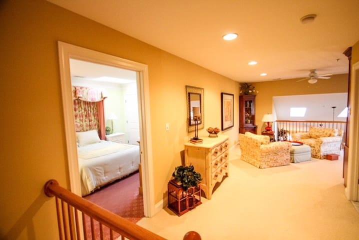 Charming Villa in Ellicott City near Columbia, MD