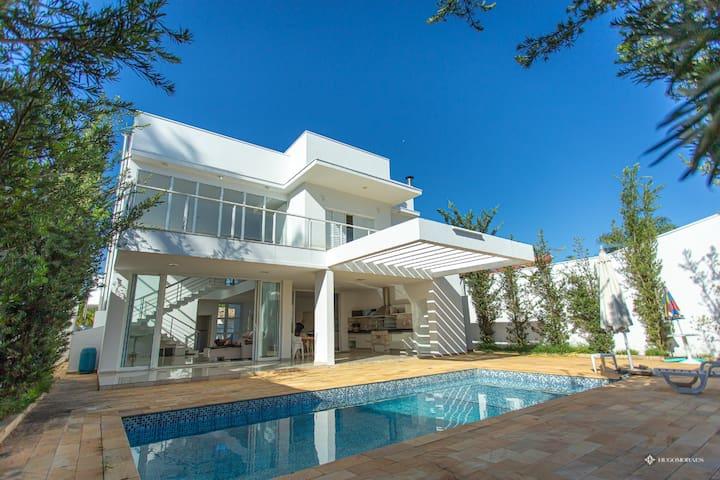 Casa Moderna e Contemporânea