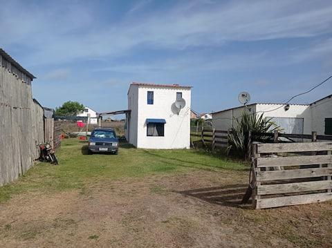 Barra de Valizas, Casita a 3 cuadras de la playa