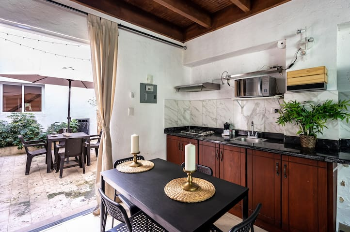 Colonial Style Loft with Terrace ! Steps to Conde