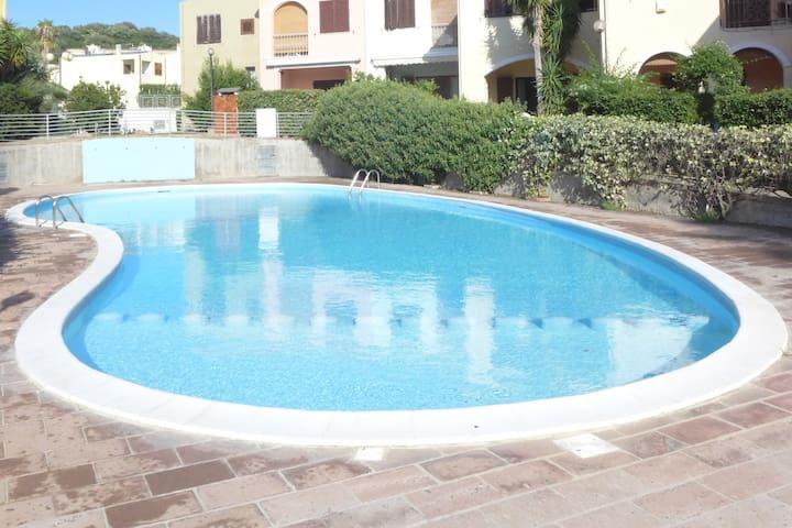 Villasimius Casa Vacanza in Residence con Piscina