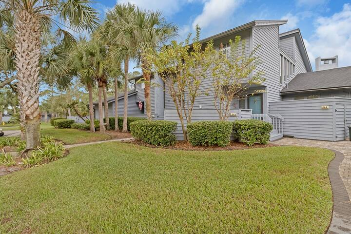 Beautiful Golf Course Views from this Sawgrass condo (QP - 343)