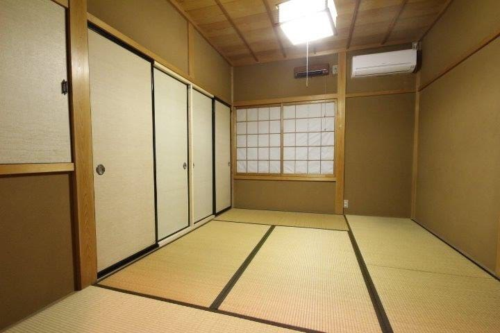 The second floor japanese-style room 2階和室