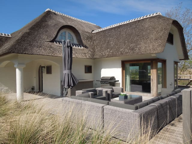 Dream house in the dunes, 8- 12 persons