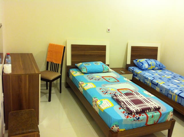 Spacious and cozy private room!! - Doha - Byt