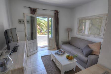 Locanda Tartarughino-Suite Luna - Porto Rotondo - Bed & Breakfast