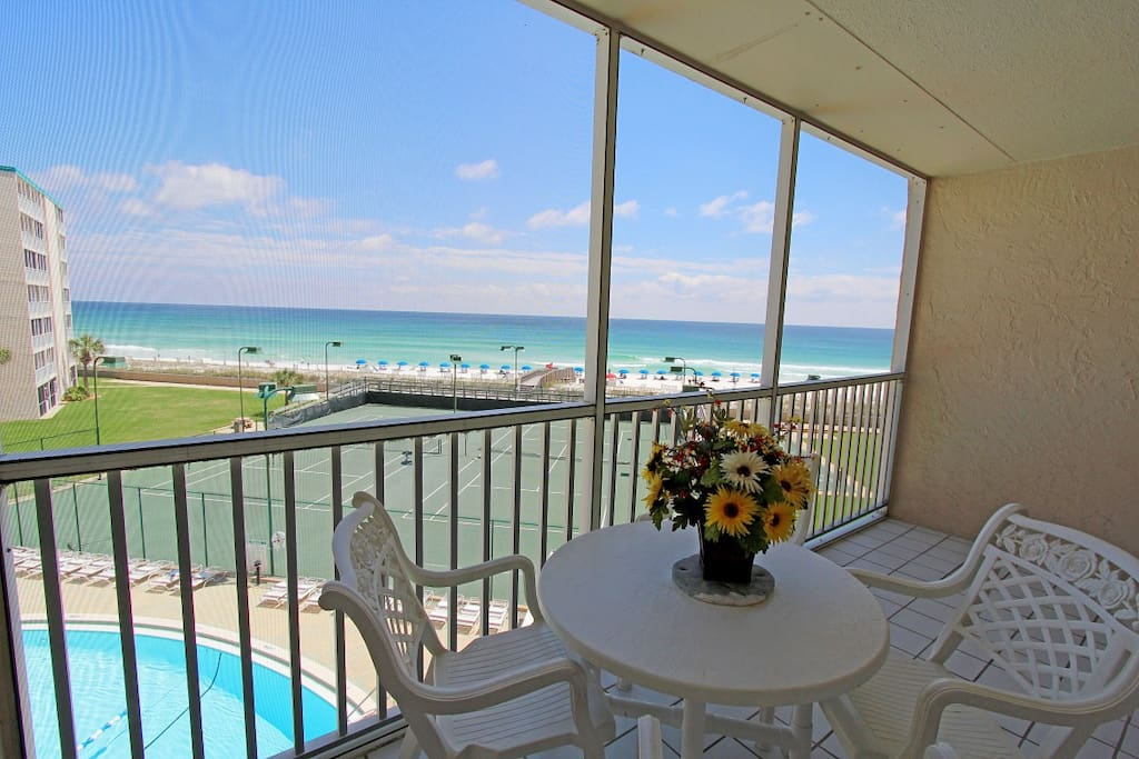 Spectacular Views from Holiday Surf and Racquet409