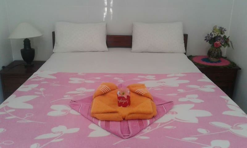 Tirta Yoga Inn - ROOM 1 - Manggis - Bed & Breakfast