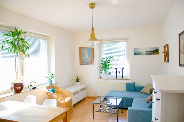 Sonnige Wohnung in Toplage/ Sunny flat in Cologne